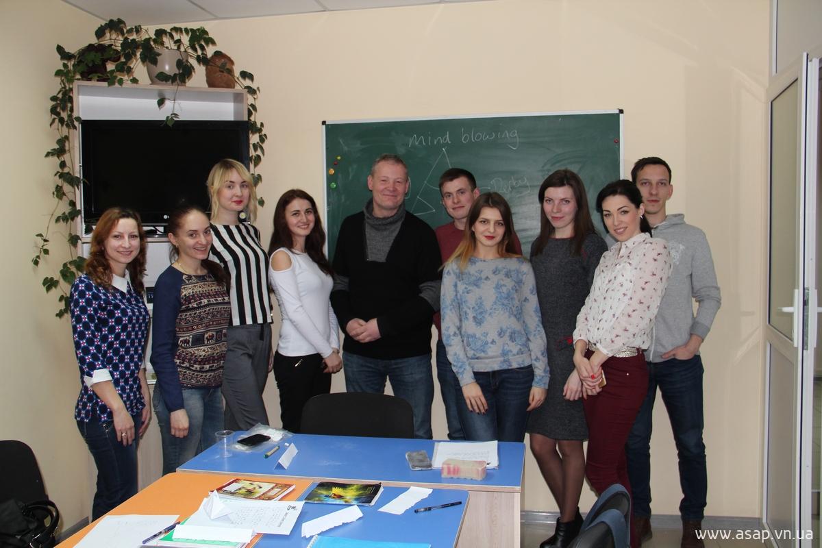 Гость из Англии в винницкой школе ASAP: http://asap.vn.ua/ru/news/asap-andrew-sandford.html